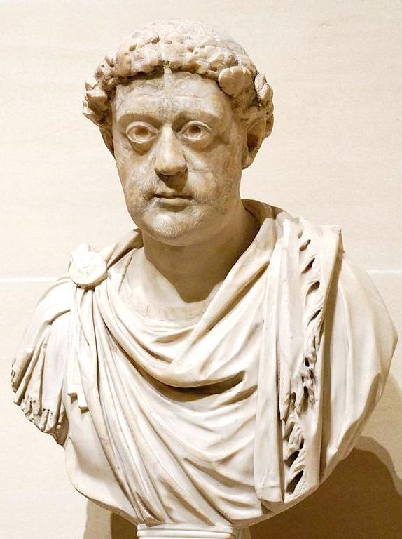 Προτομή τοῦ Αὐτοκράτορα εὐρισκόμενη στὸ Μουσεῖο τοῦ Λούβρου.