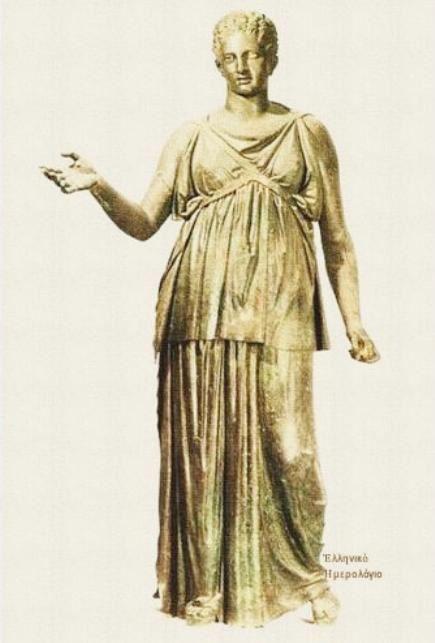 Χάλκινο άγαλμα τής Αρτέμιδος. 'Ύψος 1,94μ. – 4ος αι. π.Χ. Ανακαλύφθηκε στις 25/7/1959 και ανήκει στούς «θησαυρούς τού Πειραιώς».